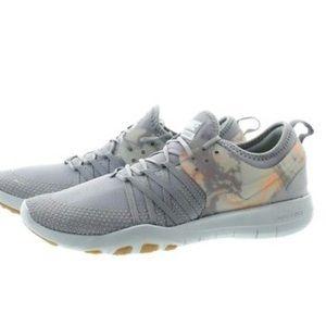 Nike free trainer sz 9